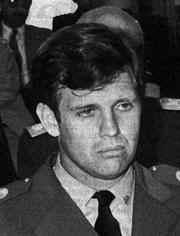 capitán de Marina Alfredo Astiz